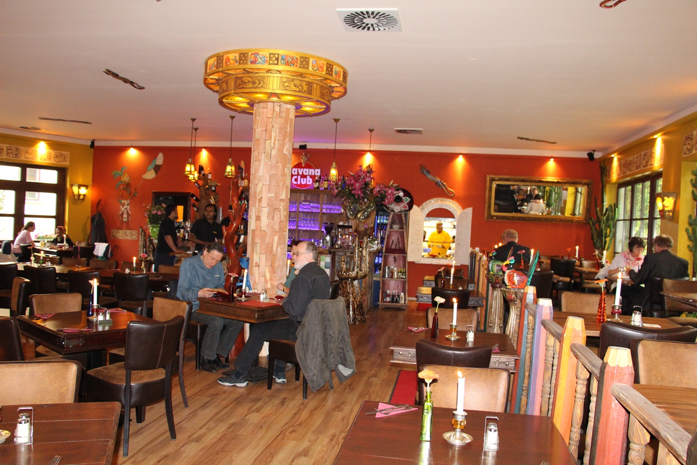 Lascotas Restaurant_Königs Wusterhausen_Customer Enjoying